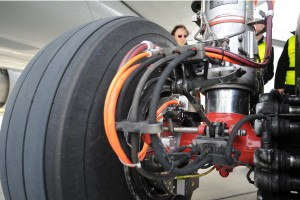 Airbus a320 electric taxiing gear